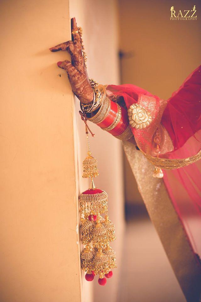 Look for these items? Great photo by Razz Films & Photography, Amritsar #weddingnet #wedding #india #indian #indianwedding #weddingdresses #mehendi #ceremony #realwedding #lehenga #lehengacholi #choli #lehengawedding #lehengasaree #saree #bridalsaree #weddingsaree #photoshoot #photoset #photographer #photography #inspiration #planner #organisation #details #sweet #cute #gorgeous #fabulous #henna #mehndi