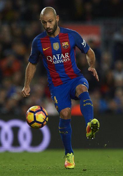Javier Mascherano of Barcelona controls the ball during the La Liga match between FC Barcelona and Malaga CF at Camp Nou stadium on November 19, 2016 in Barcelona, Catalonia.