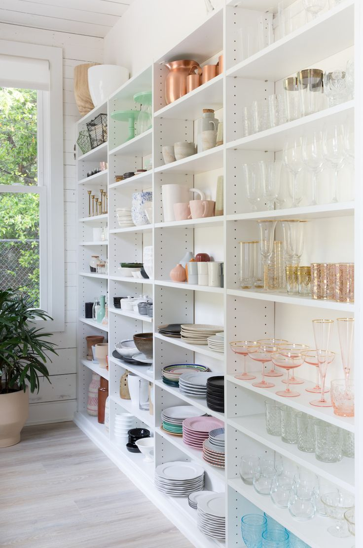 A First Look At Our Beautiful Butler's Pantry!