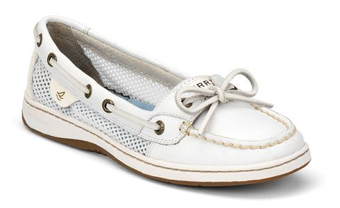 Looking at getting a few Sperry's for boating season this year! Too cute!