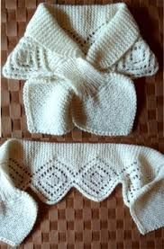 Not actually a gif, but a very cute variation on the no-knot scarf nevertheless