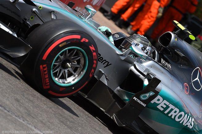 """F1, Monaco. Rosberg strappa la vittoria a Hamilton grazie a un pit stop demenziale e presuntuoso. Vettel 2°: """"Forza Ferrari"""""""