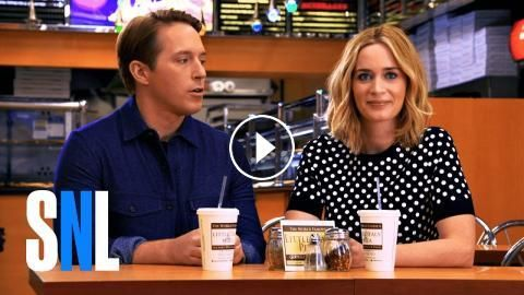 SNL Host Emily Blunt and Beck Split a Large Pepperoni: Emily Blunt hosts Saturday Night Live on October 15, 2016, with musical guest Bruno…