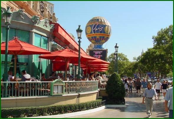 Best part of our Vegas vacation: Eating breakfast alfresco at Mon Ami Gabi. Wonderful.