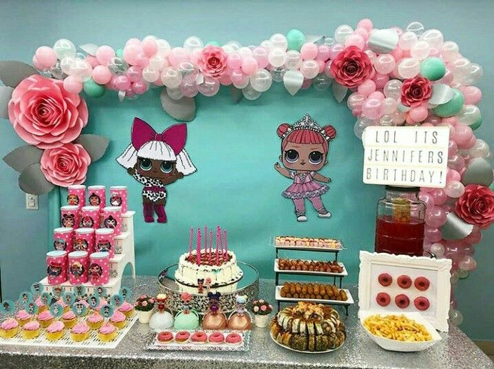 Birthday Candy Cake Centerpieces