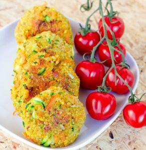 Knusprige Quinoa - Zucchini Patties (GF & Vegan) von www.lasharonesse.wordpress.com