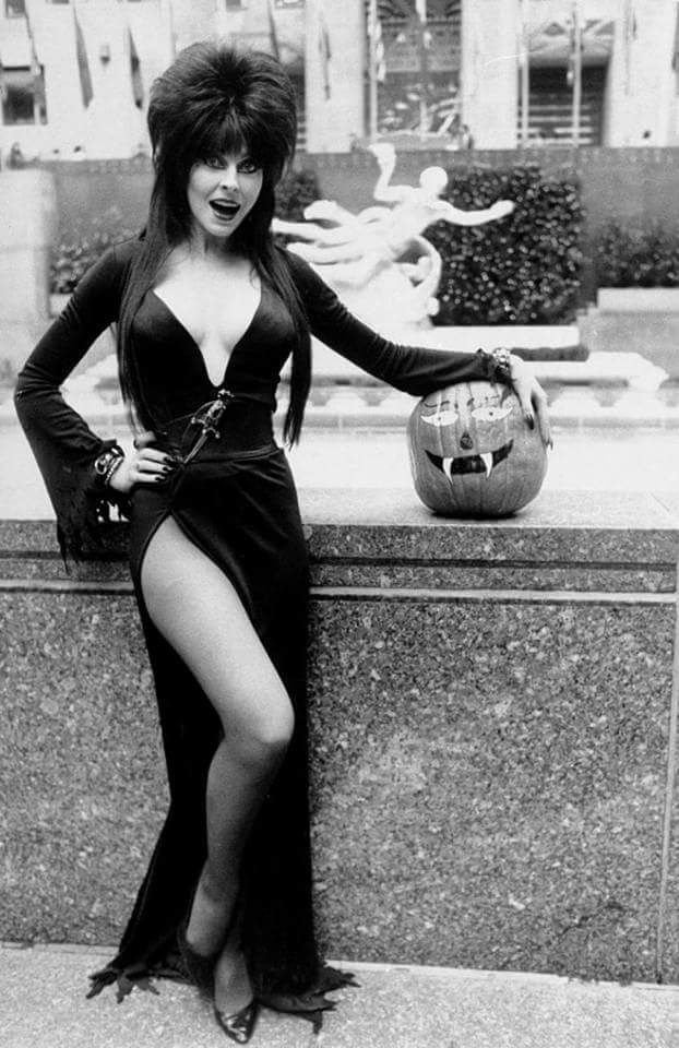 where-are-my-ghouls-at:    Elvira Mistress Of The Dark