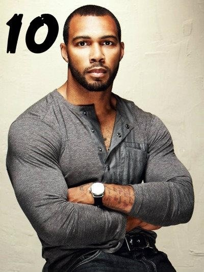 6/25/15 2:13a Man w/Fitted Grey Pullover Omari Hardwick urblife.com