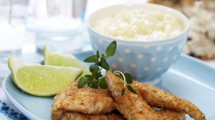 MatPrat - Kyllingfingers med hvitløksmajones og sitron