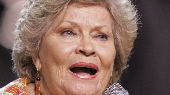 """'Tennessee Waltz' singer Patti Page dies at age 85. Unforgettable songs like """"Tennessee Waltz"""" and """"(How Much Is That) Doggie in the Window"""" made Patti Page the best-selling female singer of the 1950s and a star who would spend much of the rest of her life traveling the world."""