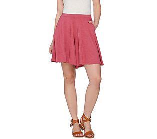 LOGO by Lori Goldstein Slub Knit Wide Leg Shorts with Pockets