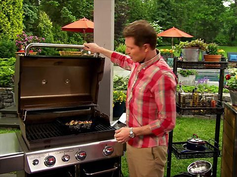 Bobby Flay's BBQ Addiction Videos : Food Network - FoodNetwork.com