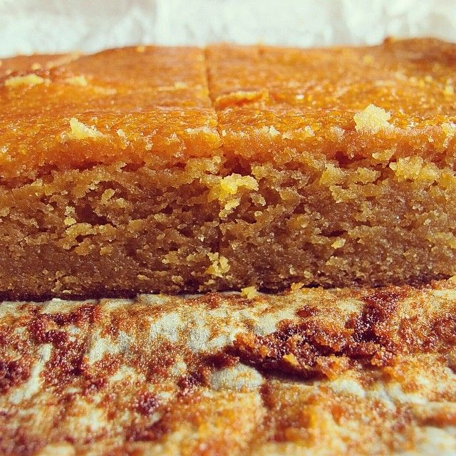 I've finally found the one: roasted white chocolate & miso blondie. We met for the first time yesterday but I already know we're going to be so happy together. Recipe for this umami salty sweet love affair is over at cakeforbreakfast.me #cakeforbreakfast #cakeheartsforeyes #theone #glutenfree #glutenfreebaking #roastedwhitechocolate