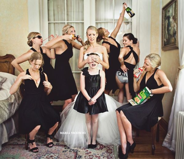 This might be my favorite bridesmaids photo ever ;)