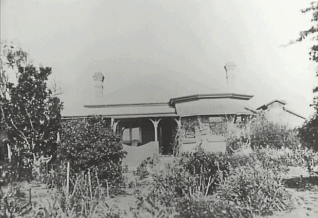 'Nant Gwylan' Camden NSW, the home of the Davies family built in the early 1910. Photograph from 1920s. Copyright: Camden Historical Society.