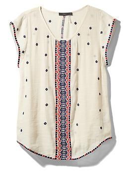 THML Clothing Cream Embroidered Top | Piperlime Too cute!! Love the style and colors!!