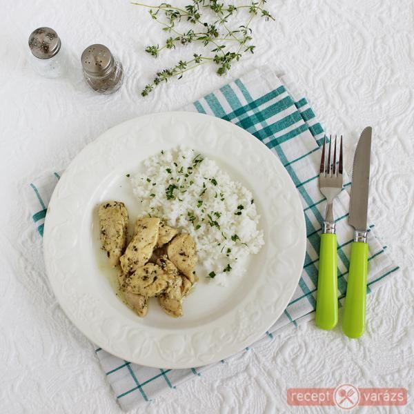 Csirkemell fokhagymás szaftban - omlós, szaftos! http://receptvarazs.hu/receptek/recept/csirkemell_fokhagymas_szaftban_recept