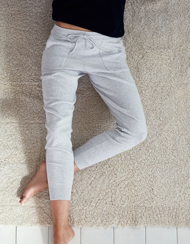It doesn't get better than coming home and slipping on something as soft and comfortable as our cotton-rich joggers – formulated with a dash of cashmere. Team them with our drapey V-neck tops or cotton-cashmere hooded tunic for the ultimate off-duty uniform. 95% cotton 5% cashmere