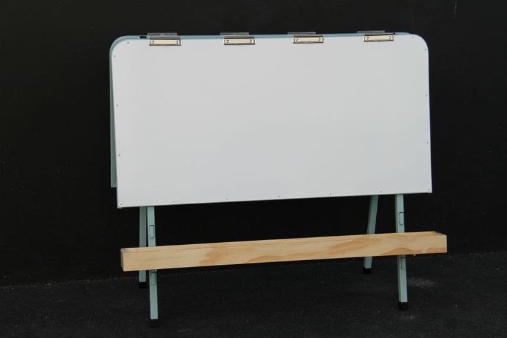 Double Easel with Clips (292)1200W x 600D x 1050HMagnetic PanelsOption of Pot Holders or TroughsPowder coated frame available in a variety of on trend colours....