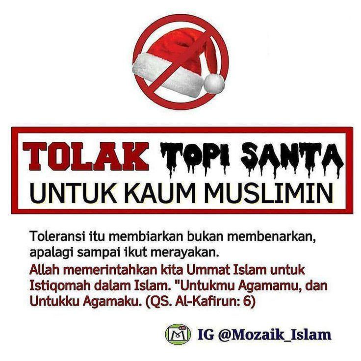 Bos Tolong Hormati Aqidah Kami  Haram hukumnya karyawan muslim mengenakan atribut Natal seperti baju dan topi Sinterklas. Dalil keharamannya ada dua; pertama karena mengenakan atribut Natal tersebut termasuk perbuatan menyerupai kaum kafir (tasyabbuh bil kuffar). Kedua karena perbuatan tersebut merupakan bentuk partisipasi (musyarakah) muslim dalam hari raya kaum kafir yg sudah diharamkan dalam Syariah Islam.  Haramnya menyerupai kaum kafir (tasyabbuh bil kuffar) didasarkan pada banyak dalil…
