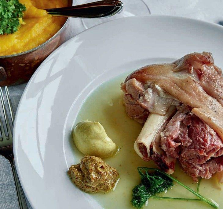 Jag lagar klassisk husmansrätt med mört rimmat kött och smarikt rotmos till olika sorters senap!