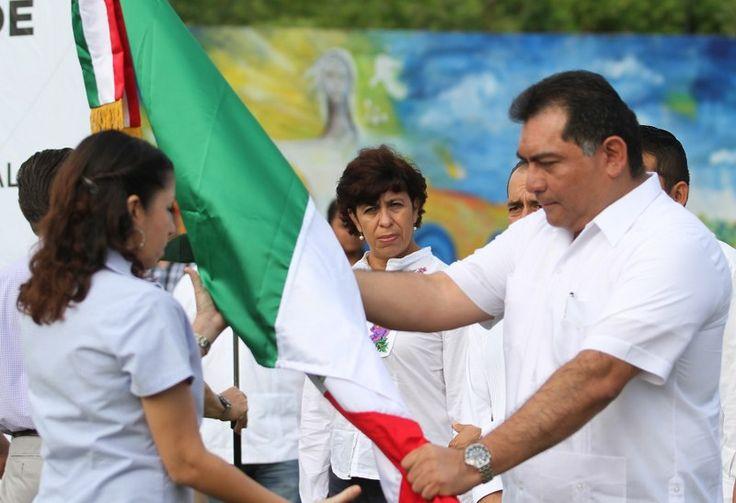 Es Yucatán el estado del país que más difunde los símbolos patrios