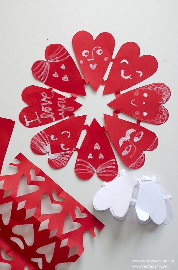 Adorable Valentines Paper Heart Snowflakes, the fold up nicely to make a super duper cute Card for Kids to Make on Valentine's Day!