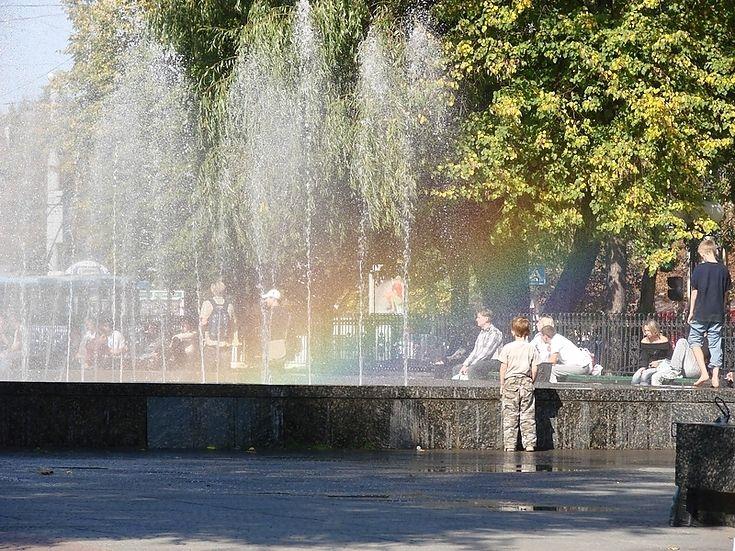 Фонтаны заработают в Луганске 1 мая. Запуск пяти фонтанов, расположенных на территории Луганска, состоится 1 мая. https://info-portal.com.ua/novosti/obshchestvo/item/2814-fontany-zarabotayut-v-luganske-1-maya.html