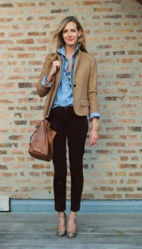 khaki blazer with denim shirt- Chic work styling ideas to wear http://www.justtrendygirls.com/chic-work-styling-ideas-to-wear/