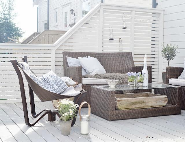 Brown tones sitting area