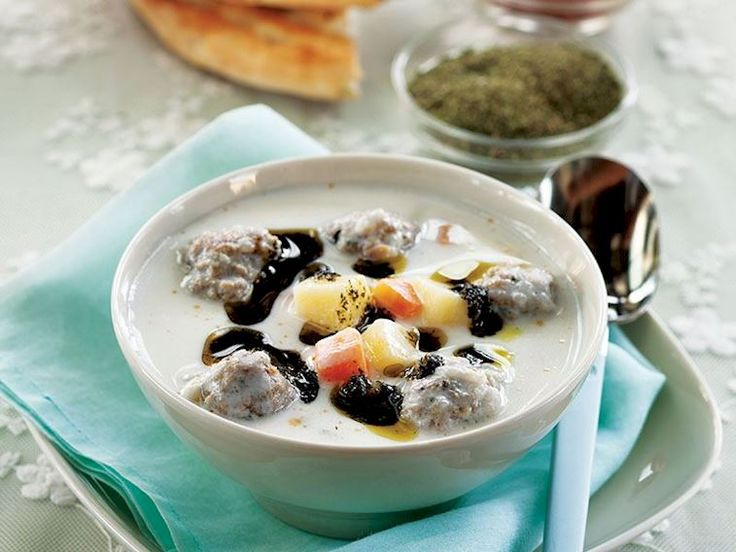 Pirinçli ve yoğurtlu köfte