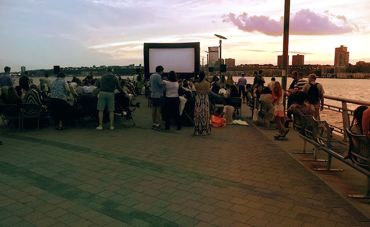 TE GUSTAN las #peliculas al aire libre #gratis #airelibre #hoy #interpid 7:30pm@intrepidmuseum llegue a las 6:15pm/  GOSTA as #peliculas a de o ar livre #grátis #airelibre #hoje #interpid 7:30pm@intrepidmuseum chegue às 6:15pm/ Love Movies? Outdoor activities? #movies #free #intrepid today 730pm #intrepidmuseum be there at 6:15pm.