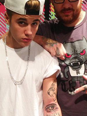 Justin Bieber's Eye Tattoo And 3d Cube Nail Art Top Our Headlines Of The Week | MTV Style