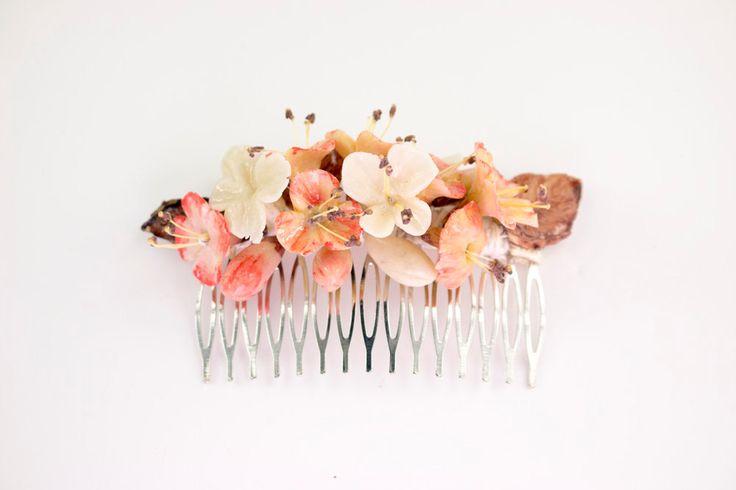 Peineta de flores en colores naturales de OLGAALOR en Etsy