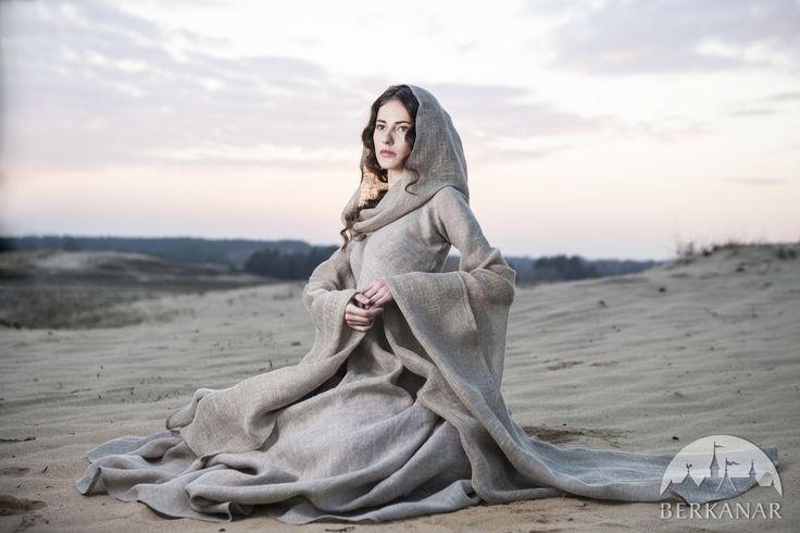 """Средневековое платье """"Странница"""""""