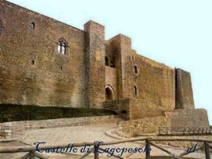 Castello di Lagopesole. Apertura al pubblico: si  con barriere architettoniche presenti  Open- no handicap accessible-Ticket  Da visitare:il borgo, i laghi di Monticchio,Cascate di San Fele