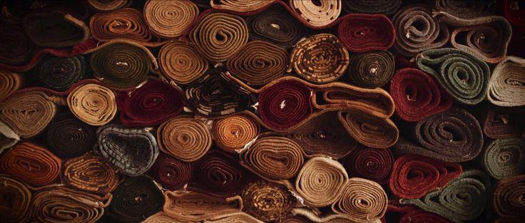 Prachtige #ambachtelijke #Tibetaanse #tapijten in beeld. In diverse moderne kleuren.