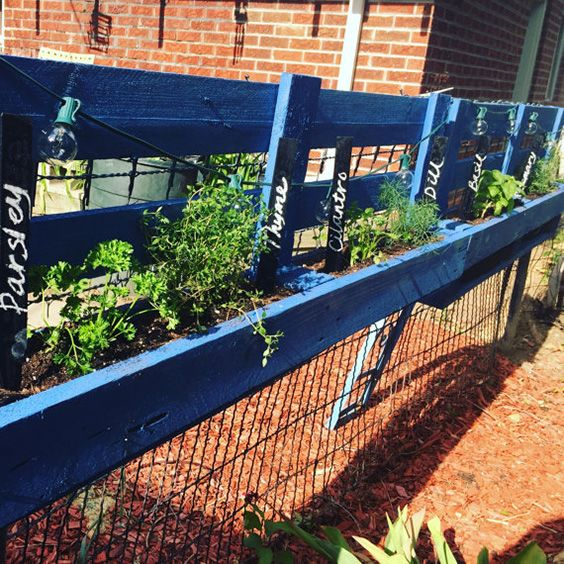 17 best ideas about garden fence paint on pinterest fence art fence painting and grey fence paint - Landscape elements that you should consider for your yard ...