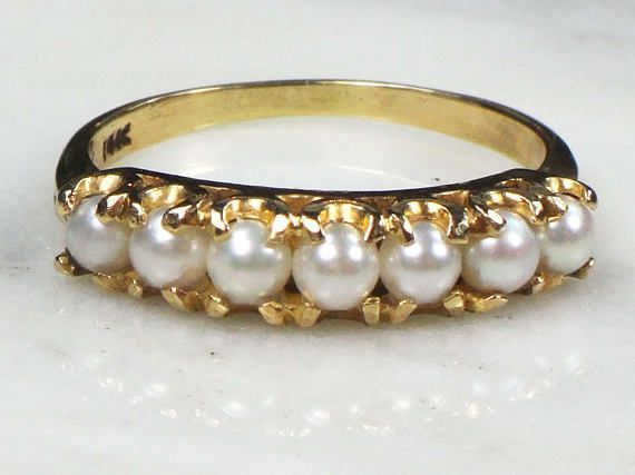 $260 --- Vintage Pearl Ring -- 14k Gold Pearl Ring -- Pearl Band -- Stackable