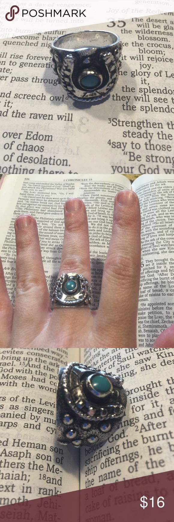 Pewter horseshoe ring with turquoise stone 🔹BOGO 50% OFF OF EQUAL OR LESSER VALUE ITEM OR BUY 3+ JEWELRY ITEMS FOR $5/PIECE🔹size 8, faux turquoise, antiquing throughout ring. Jewelry Rings