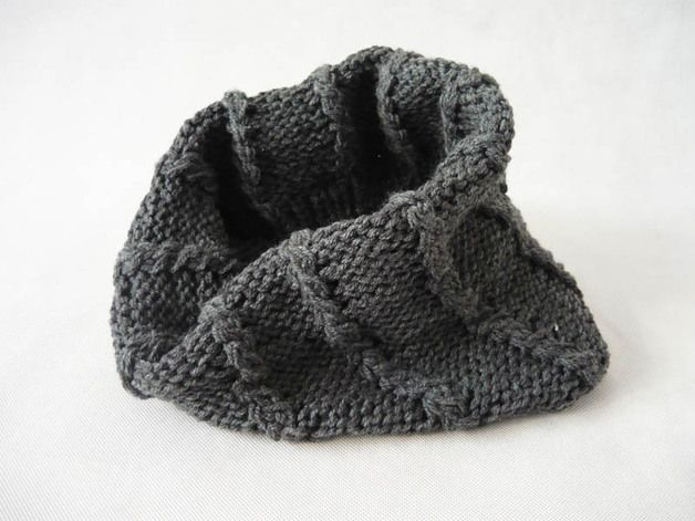 Soft and warm tube scarf, made on the knit. In gray. Length 46cm Width 34cm #MariAndAnnieArt