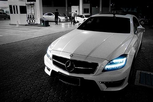 CLS63 Benz awesome headlights