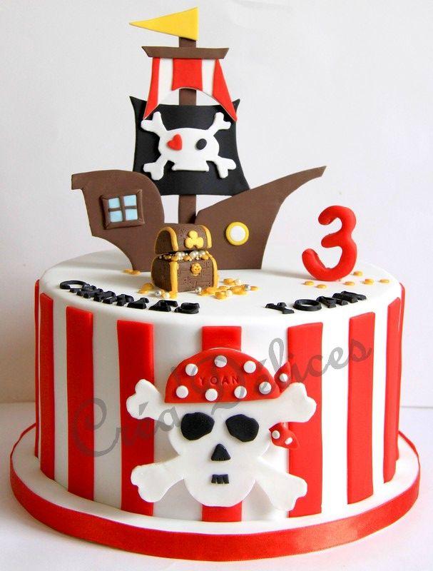Les 25 meilleures id es de la cat gorie gateau pirate sur - Decoration gateau anniversaire garcon ...