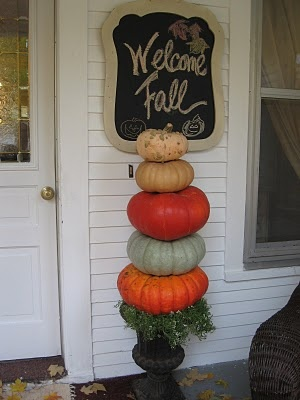 front porchFall Porches Signs, The Doors, Fall Front Porches, Fall Decor, Cute Front Porches Ideas, Fall Autumn Ideas, Welcome Signs, Front Doors, Fall Halloween