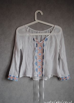 Kup mój przedmiot na #vintedpl http://www.vinted.pl/damska-odziez/bluzki-z-3-slash-4-rekawami/12067380-biala-koszulowa-bluzeczka-we-wzory  #koszula