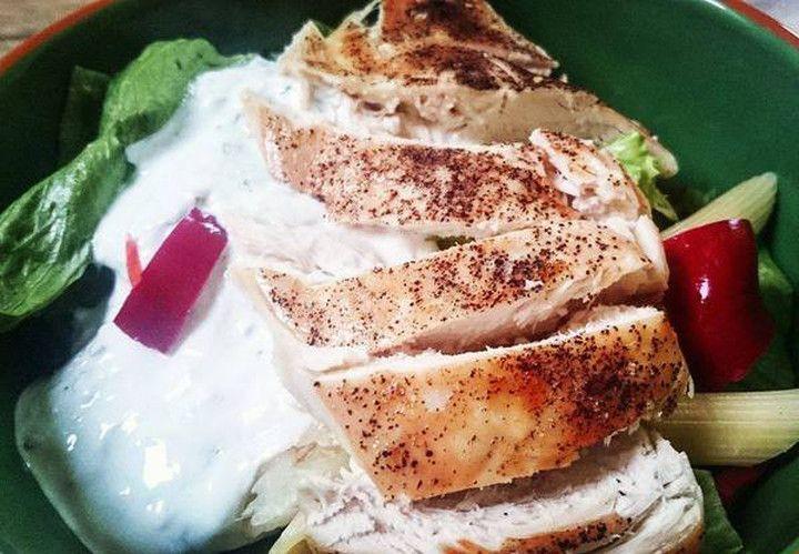 Blíží se nám letní období a vmém jídelníčku se stále více objevují saláty na různé způsoby. Když je teploučké počasí, tak ani nepotřebuji vyloženě teplý