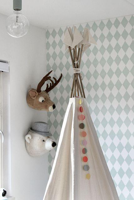 Bibib Soft Toys Dierenkoppen Ferm Living wallpaper Vilac native Indian tent