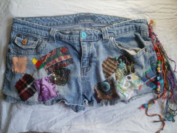 Patchy Jean Shorts: Jean Shorts, A Mini-Saia Jeans, Fringes Tho, Patchi Jeans, Jeans Shorts, Jeans Obsession, Clothing Crafts