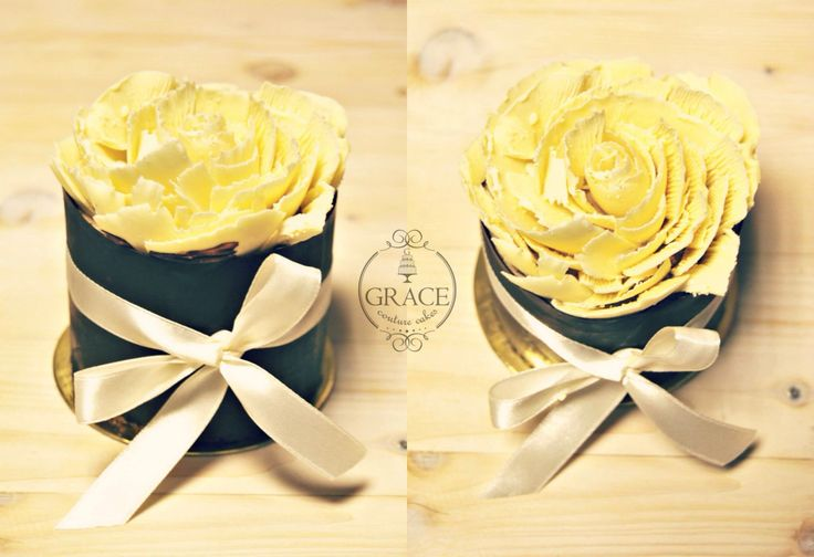 White chocolate rose cake www.gracecc.ro