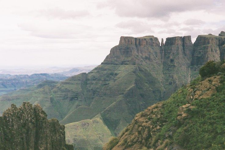 http://intibanetours.co.za/en/tour-4-mpumalanga-north-coast-drakensberg-circle/